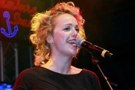 Midtown blogger manhattan valley follies berliner morgenpost for Divan singer