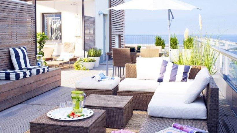 outdoor m bel chillen sie doch mal auf einer liegeinsel lifestyle berliner morgenpost. Black Bedroom Furniture Sets. Home Design Ideas